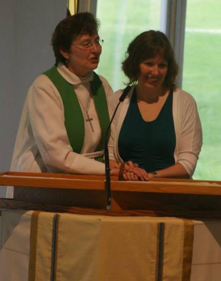 Rev. Linda M. Pedersen and daughter Sarah Hausken Photo by IanGraue